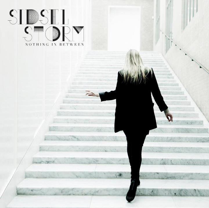 Nothing in Between - Sidsel Storm - Musik - VME - 5706725101262 - 20/8-2012